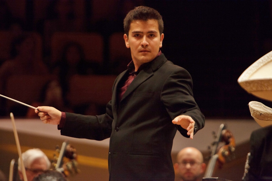 The Columbus Symphony welcomes Andrés Lopera